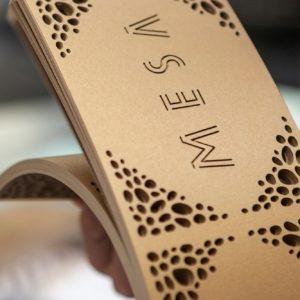 Onversneden schoonheid: drukwerk laten lasersnijden of lasergraveren