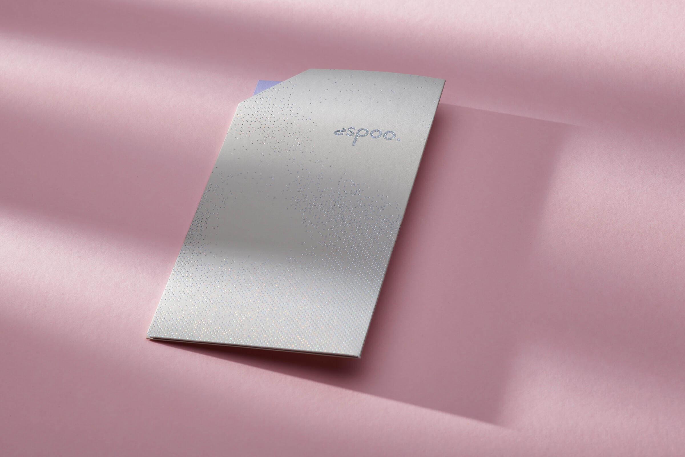 Giftcard Espoo met pochette en sticker in foliedruk